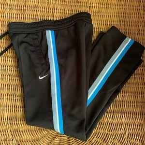 Nike Black Boys Jogger Athletic Pants (M)